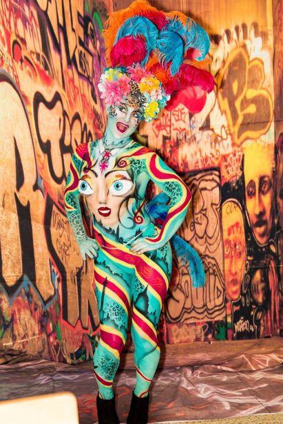 cabaret body painting